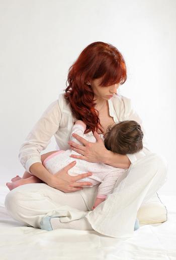 breastfeeding cradle postion